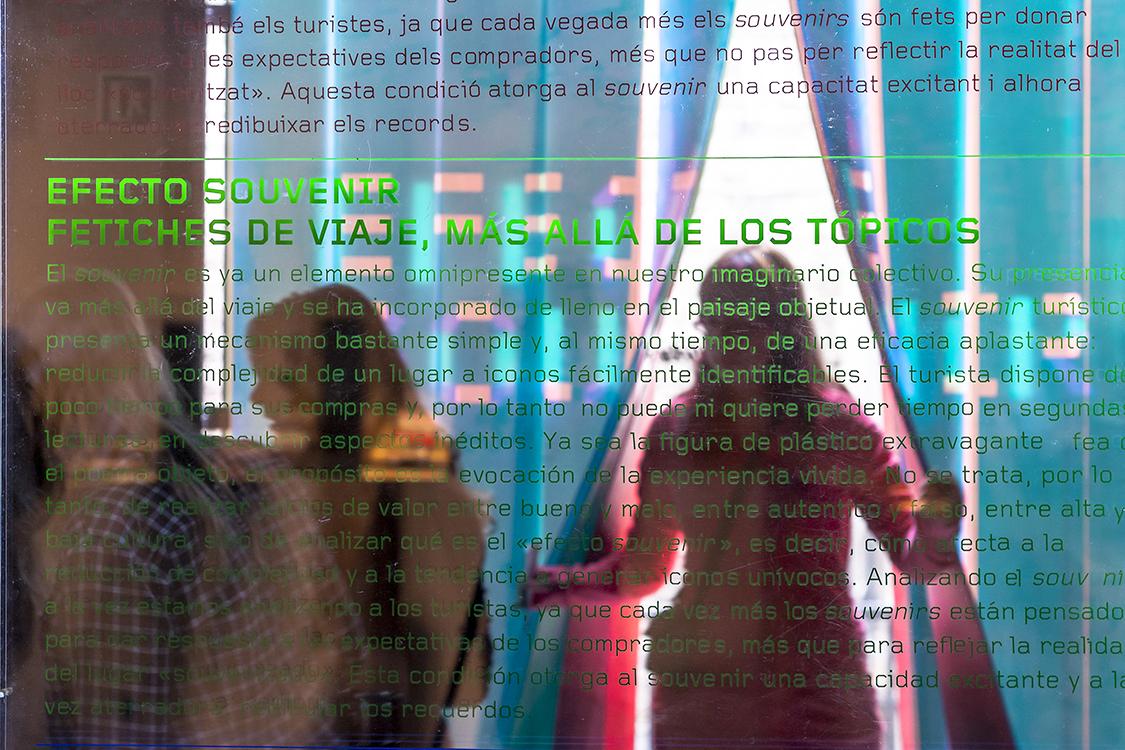 http://www.andresflajszer.com/files/gimgs/35_img0118-6350-andres-flajszer-nug-efecte-souvenir-copy-750.jpg