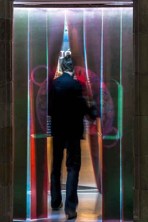 http://www.andresflajszer.com/files/gimgs/35_img0177-6350-andres-flajszer-nug-efecte-souvenir-750.jpg